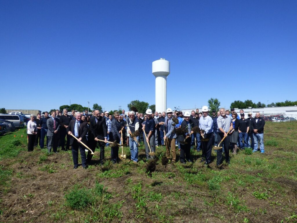 Mendell 20150820 production facility expansion-groundbreaking
